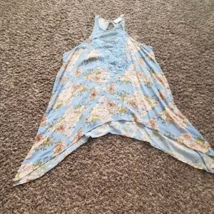 Never worn! Shyanne floral blouse.